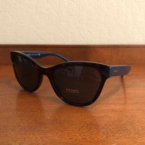 c846e268af Prada Accessories - PRADA PR 21SS Sunglasses